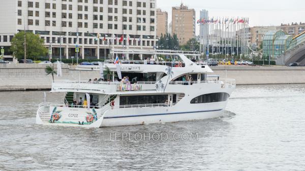 """Круиз по центру Москвы на яхте класса """"люкс"""" - """"Palma де Сочи"""" с авторскими сетами"""