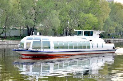"""Теплоход """"Галина Уланова"""""""
