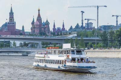 """Прогулочные теплоходы  """"Москва-88"""", """"Москва-87"""", """"Москва-65"""", """"Модерн"""""""