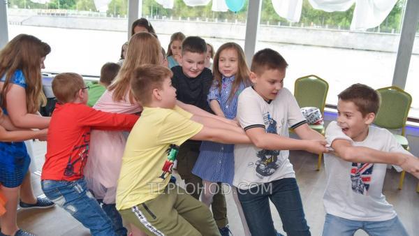 """Детская двухчасовая развлекательная программа """"Посвящение в моряки"""" с прогулкой по Москве-реке"""